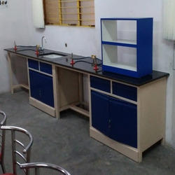 Laboratory Table with Sink