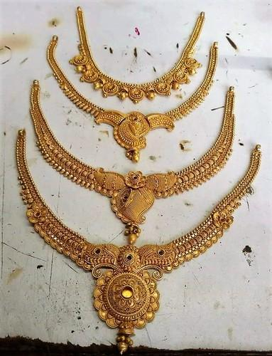 91 6 Hallmark Gold Jewellerys Necklace Sets Manufacturer from