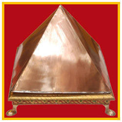 Circle Bij Mantra Copper Pyramid