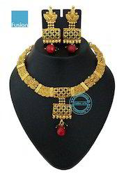 Traditional Kundan Antique Pearl Necklace Set