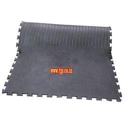 Amoebic Top Grooved Bottom Interlocking Cow Mat