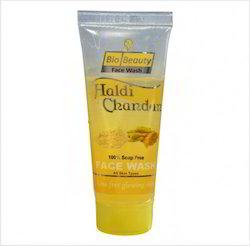 Haladi Chandan Face Wash