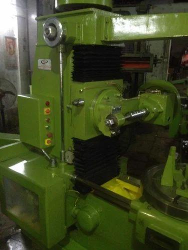 8 Modul Gear Hobbing Machine