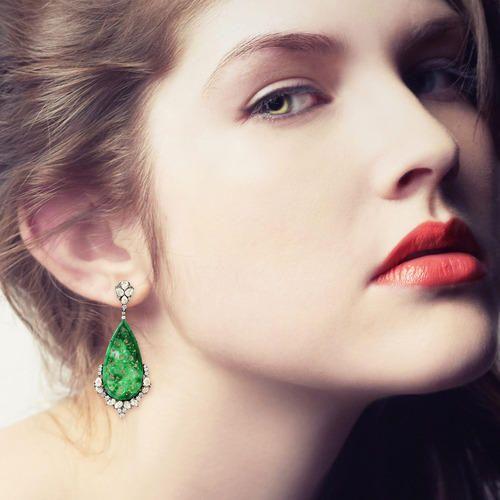 Carving Dangle Gold Jade Earring
