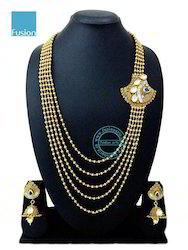 Kundan Side Broach Necklace Set