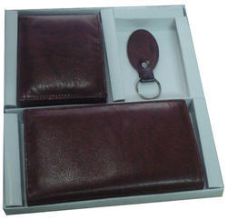 Manufacturer of Leather Corporate Gifts  Sets