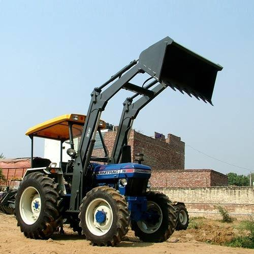 Loader with Standard Bucket
