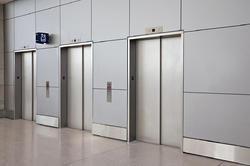 SS Center Opening Elevator