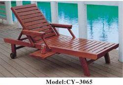 Wooden Lounger