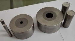 powder compaction carbide lined dies
