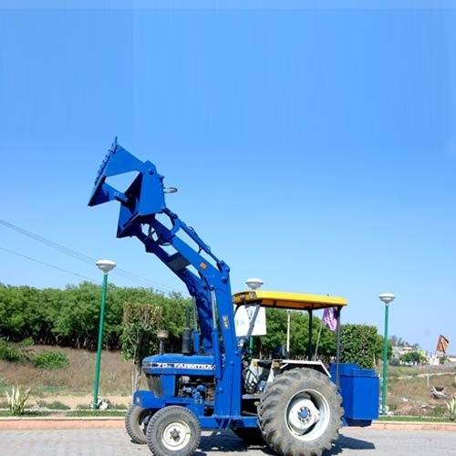Loader with 6 In 1 Bucket