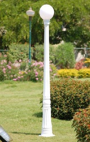 Find Latest Garden Poles Light at Rs 3000units from Rajan Tube