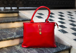 Simple Lock Handheld Bag