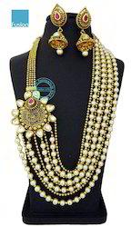 Kundan Pearl  Side Broach Necklace Set