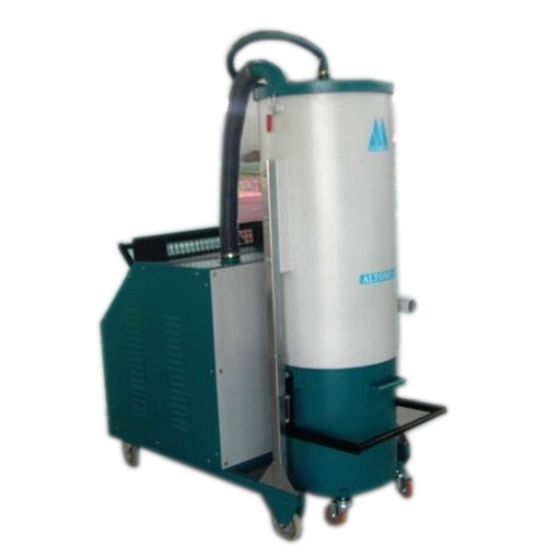 Vacuum Cleaner For Industrial Cleaning