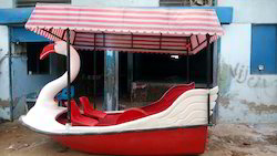 Swan Paddle Boat With Roof