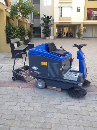 Road Sweeping Machine Jjs Ride On Sweeper Manufacturer