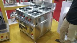 Gas Cooking Range with Pizza Oven