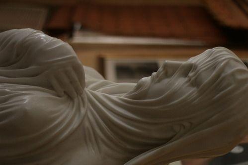 Veiled Rebecca In White Italian Carrara Marble - Sculpture