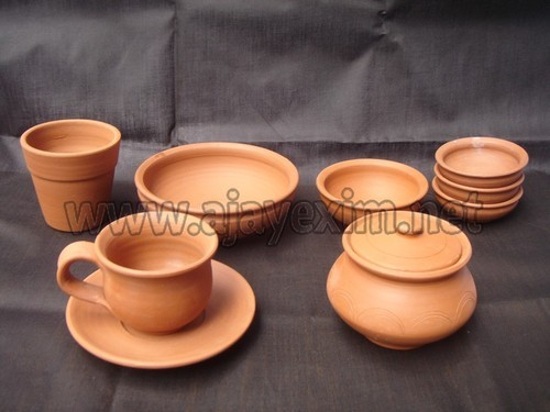 & Terracotta Dinnerware Sets - Terracotta Dining Set Exporter from Madurai