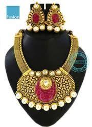 Traditional Designer Wedding Necklace Set