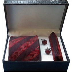 Set of Tie Cufflink and Pocket Square