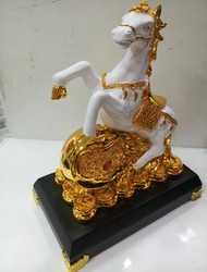 White Hourse With Lucky Coin (10 Inch Hight)