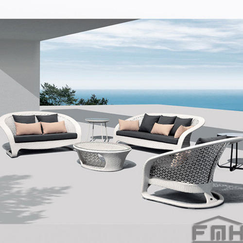 Outdoor Furniture Wicker Sofa. Garden Furniture and Outdoor Living Manufacturer   Luxox Furniture