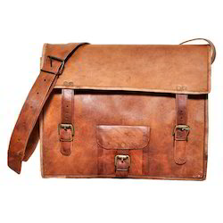 Junkyard Leather Messenger Bag- Rusty