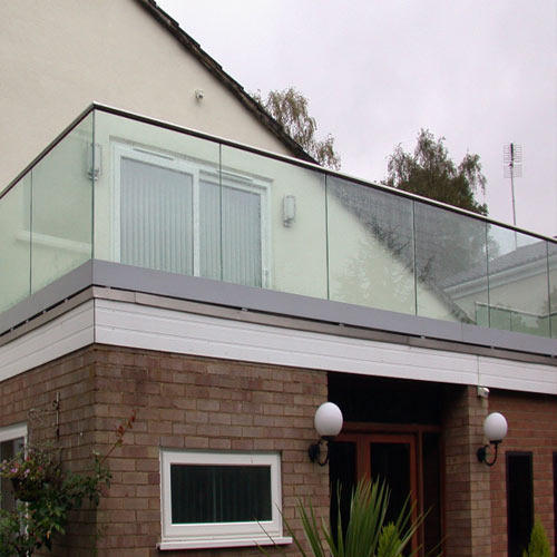 Stainless steel and glass balcony railing vishwas steel for Design of balcony railings in india