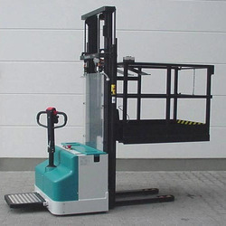 Battery Operated Order Picker
