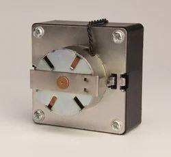 Geared Medium Toque Synchronous Motor