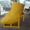Banana Type Screw Jack Operated Concrete Bucket