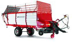 Self Loading and Unloading Forage Wagon