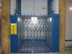 Cage Goods Lift
