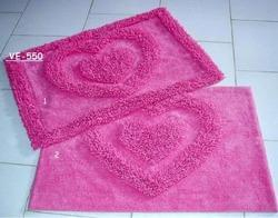 plush tufted bath mat
