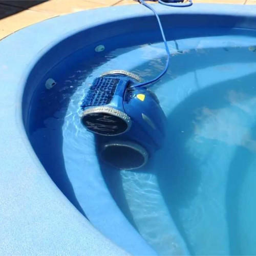 Swimming pool cleaning equipment automatic pool cleaners - Swimming pool cleaning equipments ...