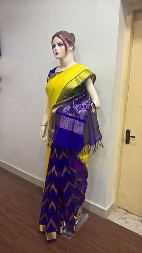 Silk Cotton Partly Pallu Sarees with Thread Work