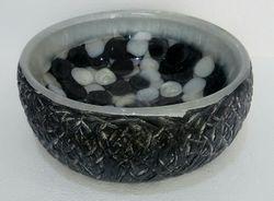 Prayosha Trunk Black White Washbasin