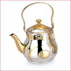 serving tea pot