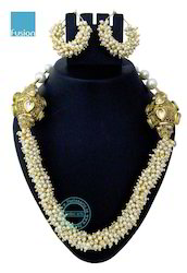 Kundan Pearl Mala Necklace Set