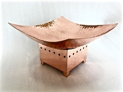 Copper Hammered Finished Deep Platter W Stand