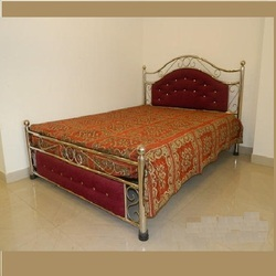Stainless Steel Gloria Queen Bed