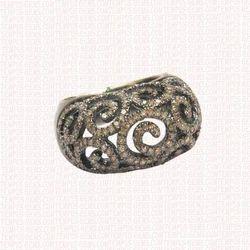 Lustrous Diamond Ring