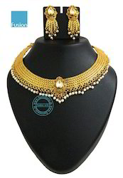Antique Pearl Kundan Necklace Set