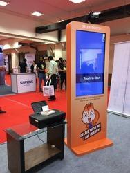 40 inch Selfie Touch Screen Kiosks With Printer Rental Services