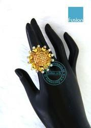 Pearl Traditional American Diamond LCT Stone Finger