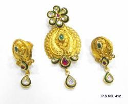 antique kundan pendant