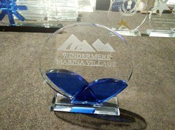 Crystal Trophy for Institutes