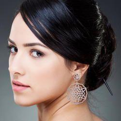 18k Gold Pave Diamond Dangle Earring